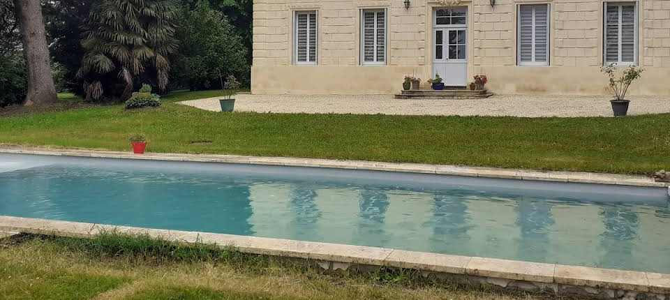 Concept 33 piscine et spa la brede